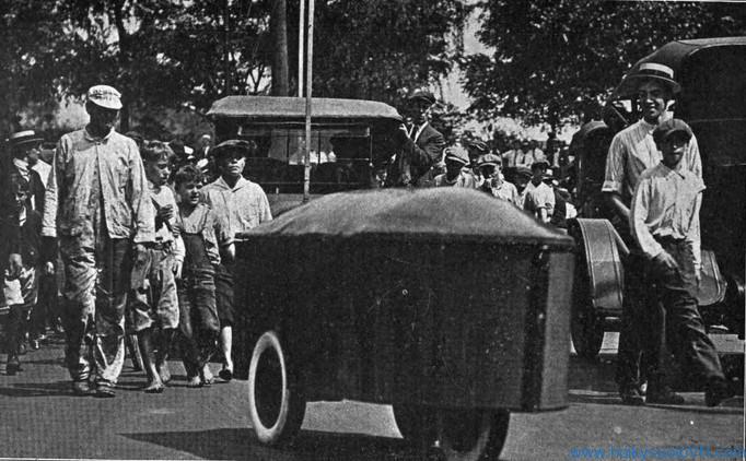 Chiếc xe được coi xe tự hành đã ra đời bởi Francis Houdina